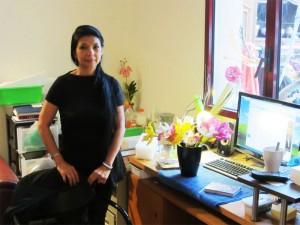 Madame Usha Bhawnani dans son atelier